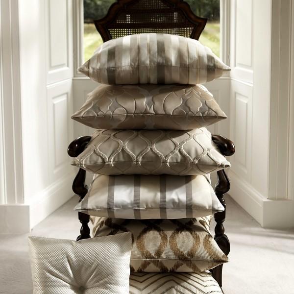 Lovatiesės ir pagalvėlės